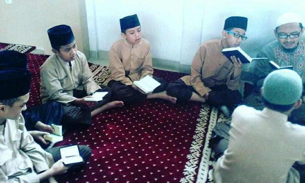 Membangun Generasi Muda yang Paham Agama, Berakhlaq Mulia dan Mandiri